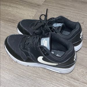 Nike Air Max Sneakers in Black with Leather